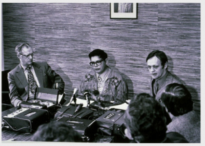Premier of Alberta Harry Strom, Harold Cardinal and Jean Chrétien, Minister of Indian Affairs, 18 December 1970.